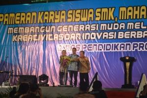 Pembukaan Pameran Karya Siswa SMK se Jatim di JX Convention Center 20-23 November 2014