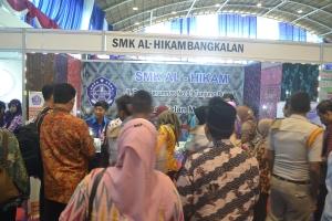 Suasana Stand Pameran Oblec karya Siswa SMK