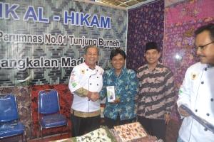 Foto bareng dengan Direktur Pembinaan SMK Ditjen Pendidikan Menengah Kemendikbud Mustaghfirin Amin